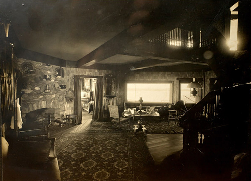 clinghouse